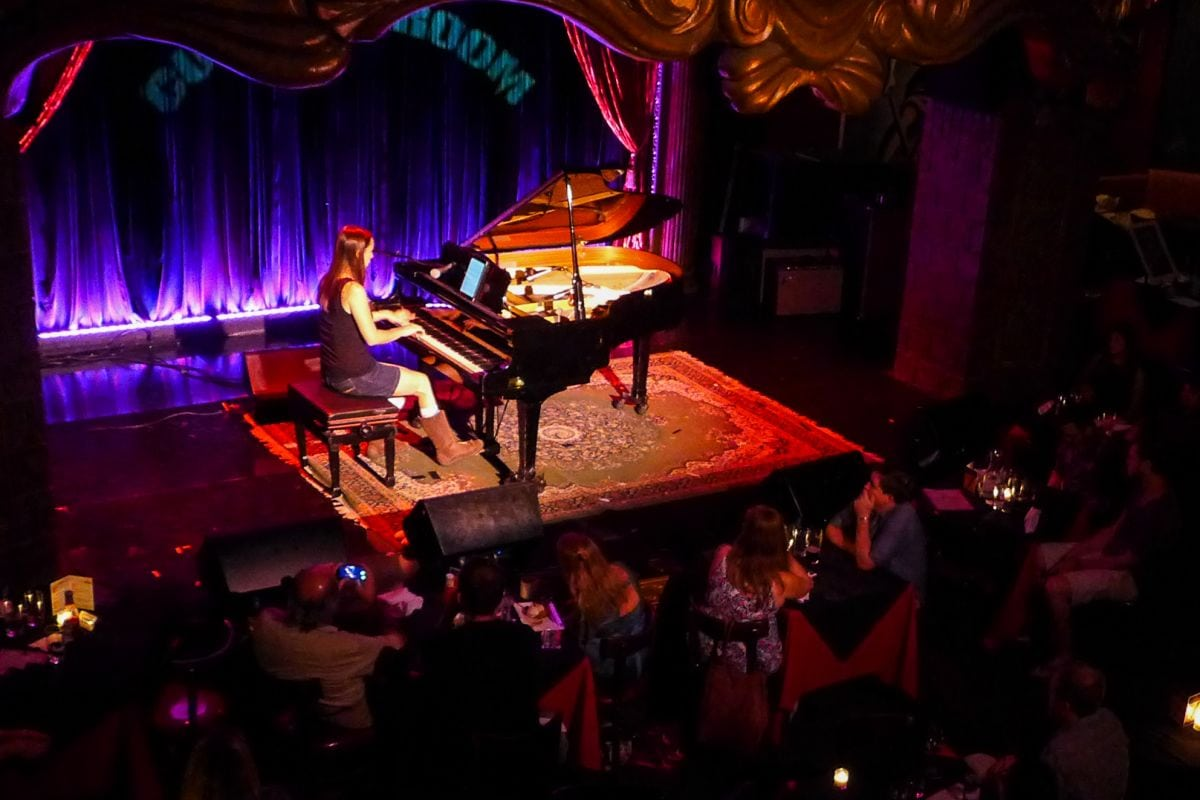 Listen to Holly Bowling at The Cutting Room – NYS Music