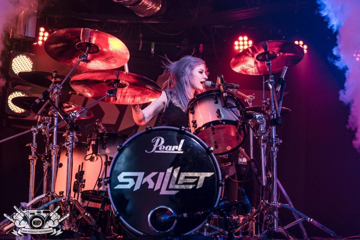 Skillets Jen Ledger To Release Solo Ep Utter Buzz Midland Cb Mic Wiring Diagram Skillet Drummer And Vocalist Has Shown Her Various Talents Behind The Drum Kit On During Run With Band