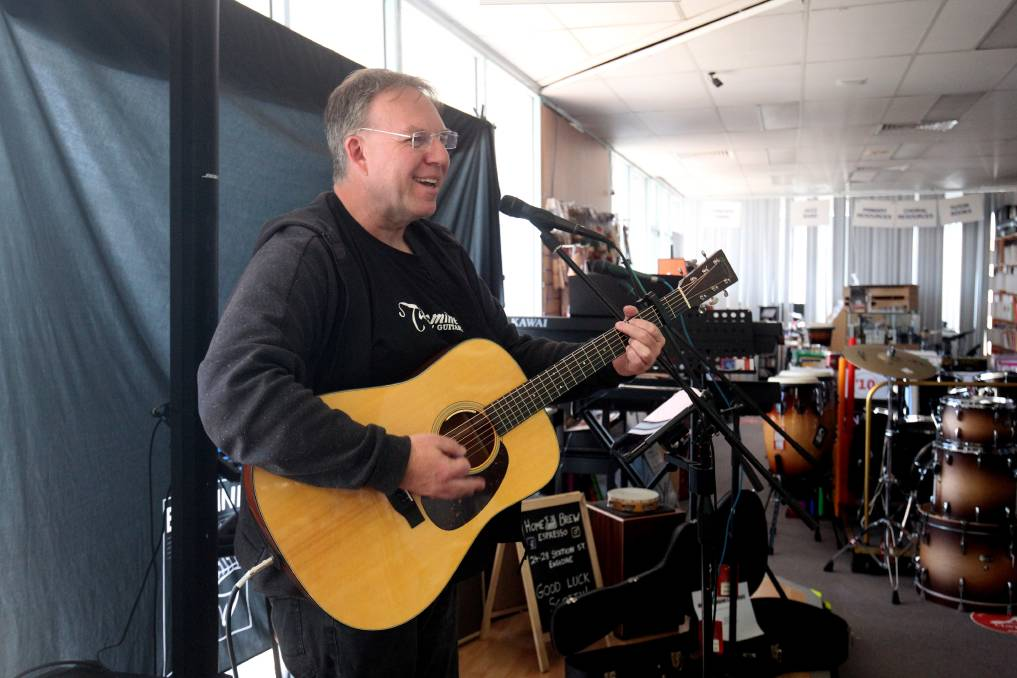 Musician Sets World Record Playing The Guitar Utter Buzz