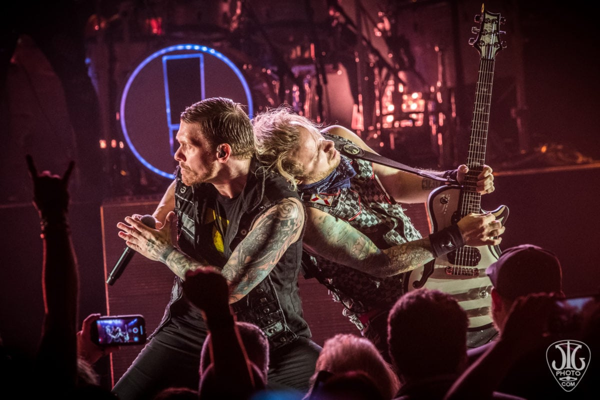85f4f50905f Godsmack and Shinedown brought their co-headlining tour to the Capital  Region on a very comfortable Upstate New York summer night at the Saratoga  Performing ...