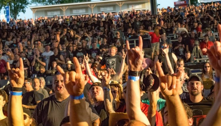 Anthrax fans (1 of 1)
