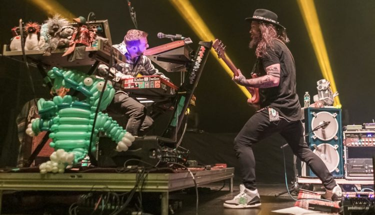 Scott-Harris_Twiddle_Kitchen-Dwellers_The-Capitol-Theatre_11.23.18-9685