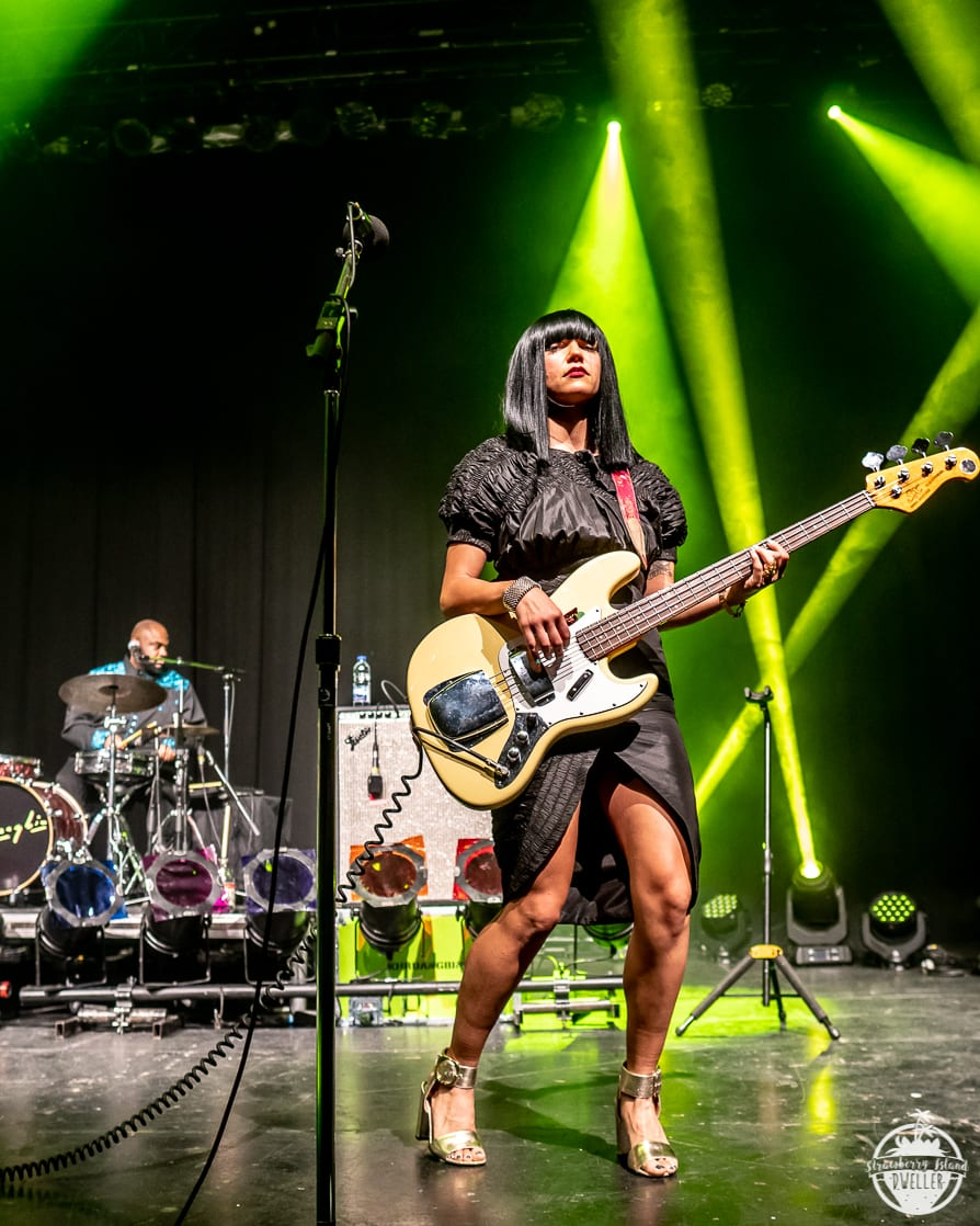 Khruangbin Gets Funky North Of The Border Nys Music