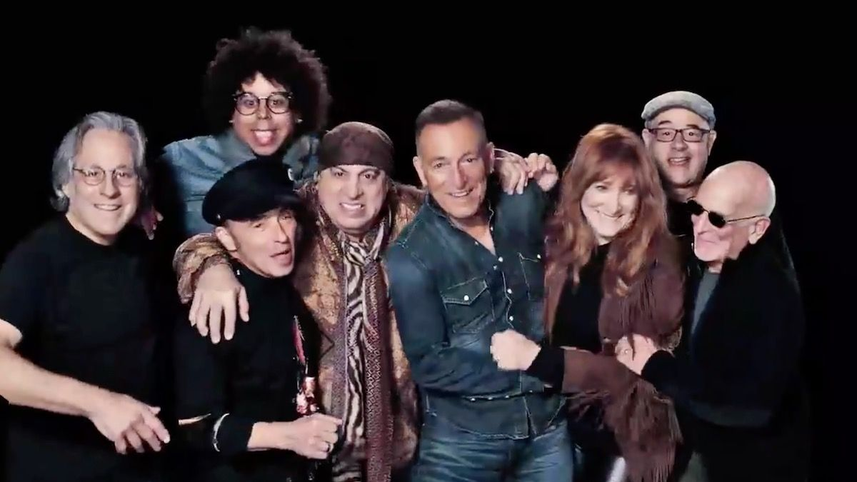 Watch Bruce Springsteen And The E Street Band On Snl Nys Music